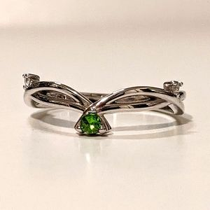Grateful Heart Fragrant Jewels Green Ring size 8